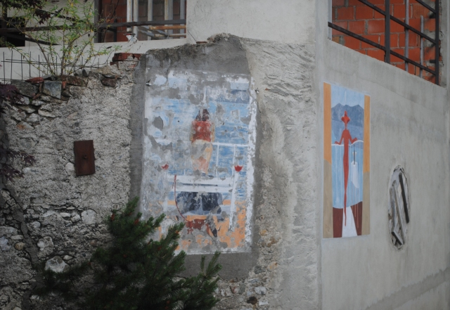 Two murals in Legro