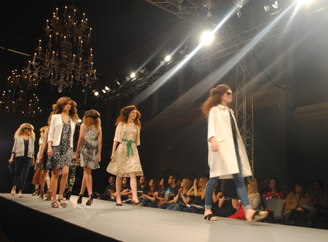 catwalk shot at Bath in Fashion Spring Summer 2015